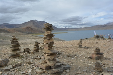 ceremonial-stones-for-luck-placed-by-locals