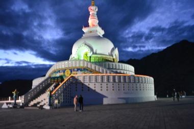 shanti-stupa-at-night