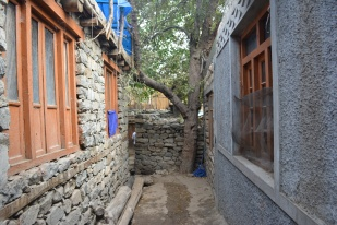 small-narrow-lanes-in-the-village
