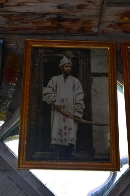 the-descendant-in-balti-royal-robes
