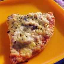 yak-cheese-pizza-at-gesmo