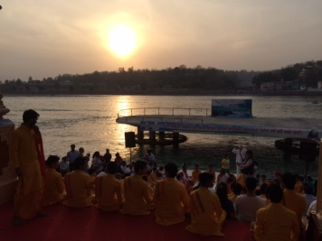 SUNSET PRAYERS TO GANGA